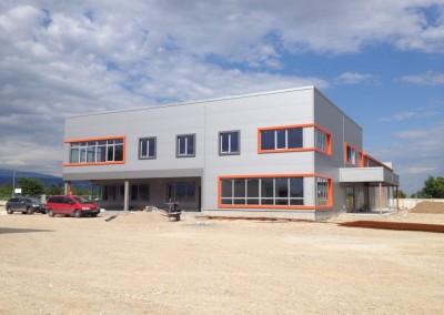 Сервиз за камиони, склад за авточасти, офиси и ведомствена бензиностанция