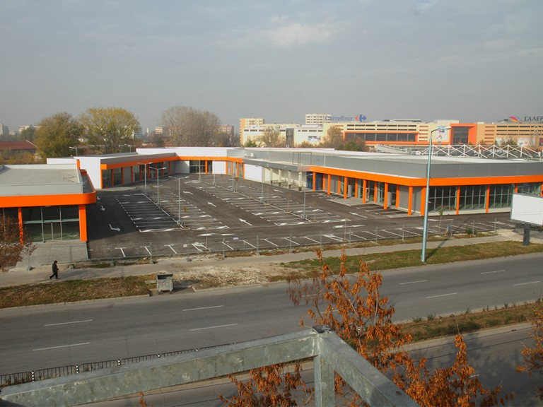 Lidl and retail park of stores for industrial goods