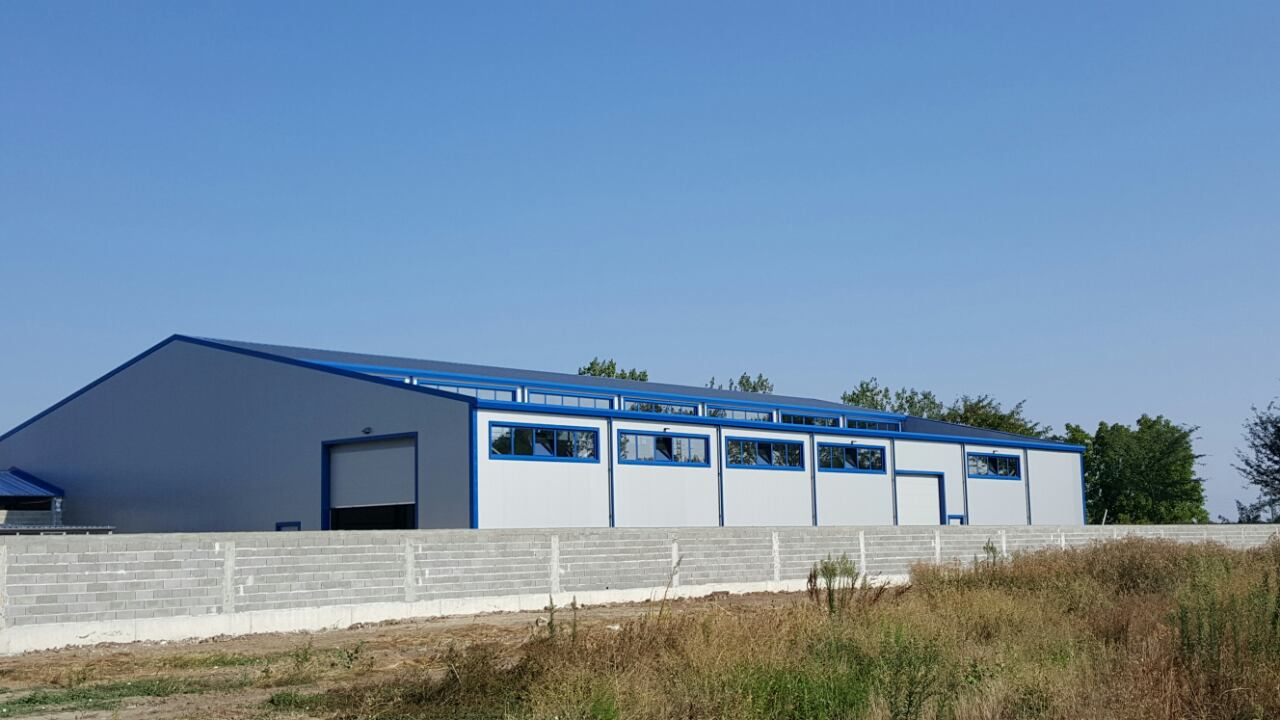 Manufacturing and administrative building for metal products