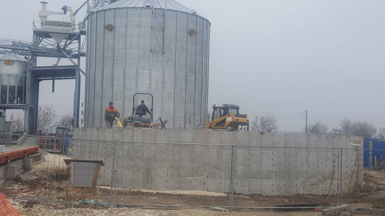 Silos for grain storage